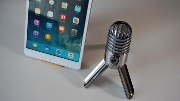 microphone-2469294_1920